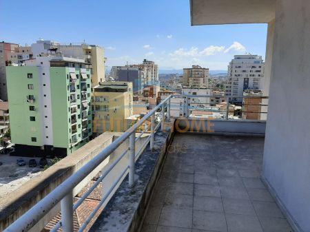 Shitet, Apartament 3+1+2, tek Ish Rajoni i Policise, Durres