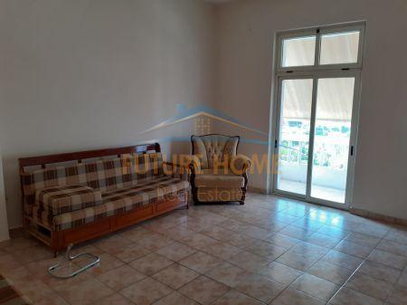 Qera, Apartament 2+1, prane Muzeumit, Durres
