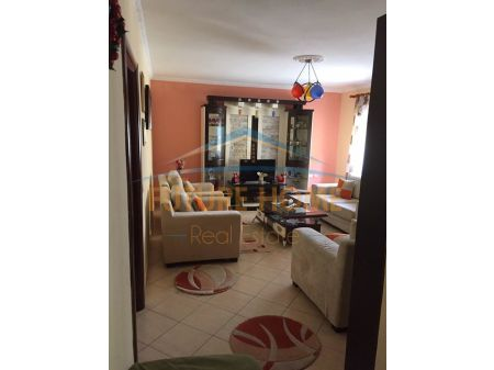 "Shitet, Apartament 3+1+2, prane shkolles ""Qemal Mici"", Durres"