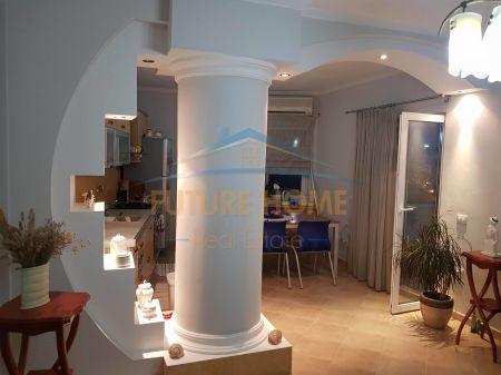 Shitet, Apartament 2 + 1, Zogu I Zi, Tiranë