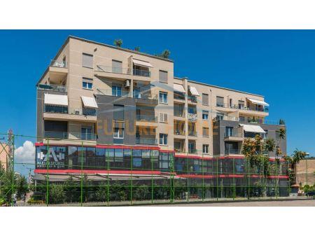 Shitet, Apartament 3+1, Laprakë, Tiranë