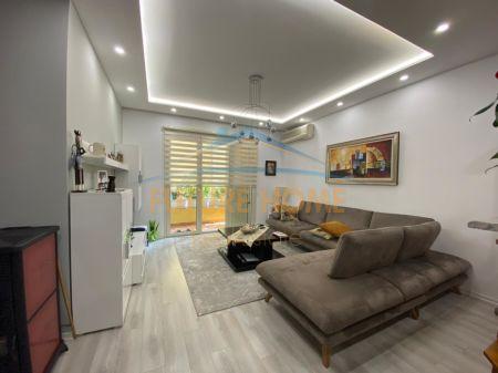 For sale, 3 + 1 Apartment, Fresku, Tirana