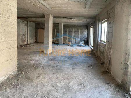 Shitet,Apartament +Verandë,Unaza e Re