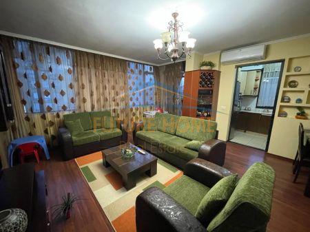 For sale, Apartment 2 + 1, New Bazaar, Tirana