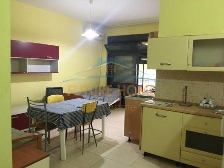 Shitet, Apartament 1+1, te Shkembi Kavajes
