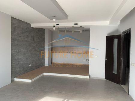 Shitet, Apartament 3+1+2, Rruga Kongresi Lushnjes, Tiranë