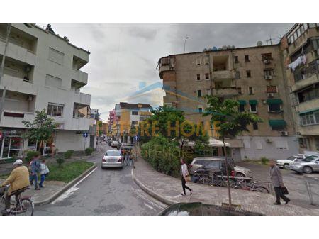 Qera, Ambient, Rruga Mihal Grameno, Tiranë.