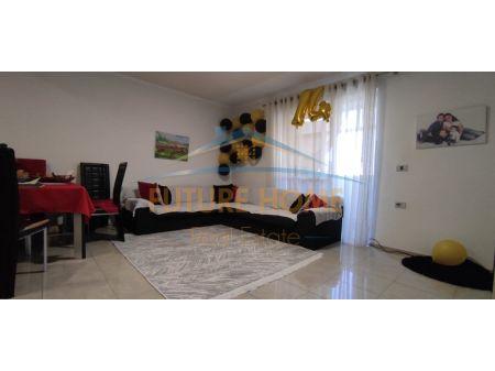 Shitet, Apartament 2+1, Rruga Kongresi Manastirit, Tiranë