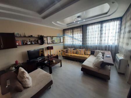 Qera, Apartament 3+1+Post parkimi, Bllok, Tiranë