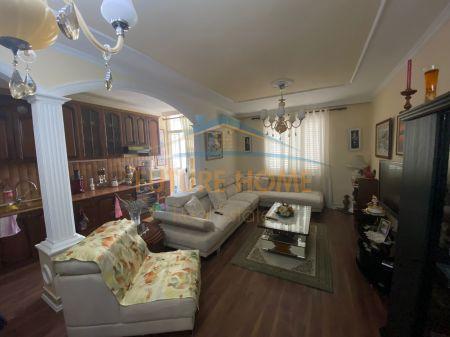 For sale, Apartment 3 + 1 + 2, Paris Commune, Tirana
