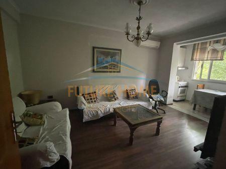 Shitet, Apartament 2+1, Mine Peza, Tiranë