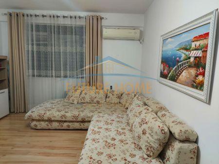 Qera, Apartament 1+1, Rruga 5 Maji, Tiranë.