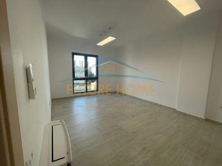 Qera, Apartament 1+1 për Zyra, Kompleksi Square 21, Tiranë