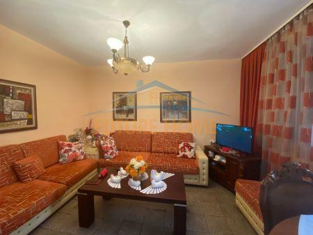 Shitet, Apartament 1+1, Oxhaku, Tiranë.
