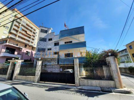 Qera, Vile, Rruga Kadri Kerciku, Tiranë